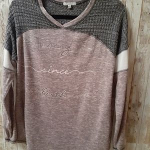Maurices sz L, casual pullover, V Neck, long slve.